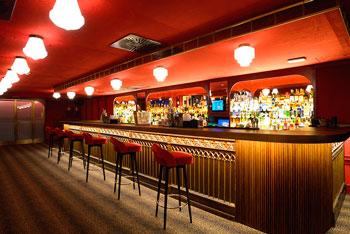 Decoraci n de bares nuevas tendencias estepa interiorismo - Decoracion locales hosteleria ...